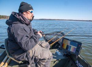 1,2 megahertsin Raymarine Element on optimoitu kalastukseen