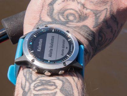 Veneilyn ja kalastuksen erikoiskello – Garmin Quatix 5 Sapphire