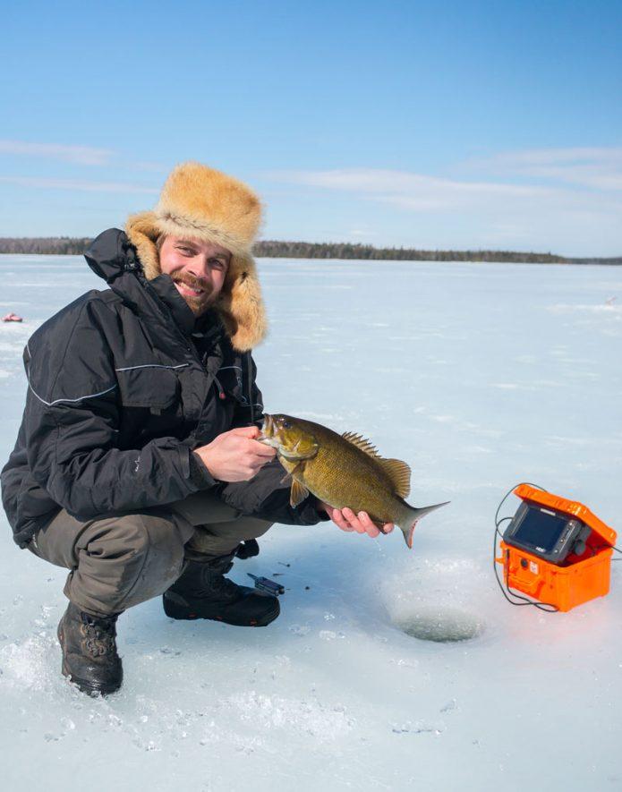 Pikkubassi (smallmouth bass) on tyypillinen saalis Pohjois-Amerikan järvillä.