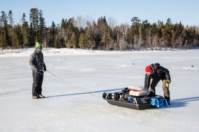 Pulkka on käytännössä pakollinen varuste. Siihen mahdutetaan teltta ja kaikki muutkin varusteet. Kuva Mike Erb.