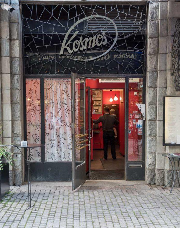 Ravintola Kosmos sijaitsee aivan Helsingin ytimessä.