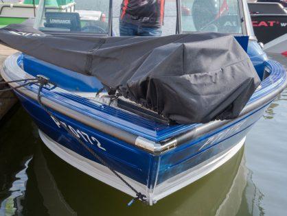 Kätevä varuste – Patriot keulasähkömoottorin suojahuppu