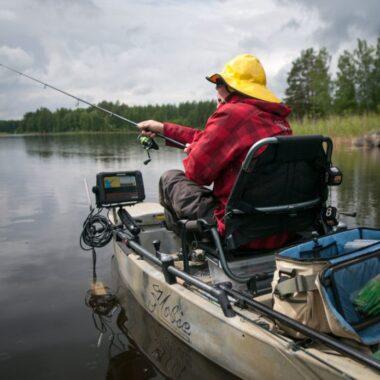 Kaikuluotain ja muut varusteet sopivat kajakkiin täysin siinä missä tavalliseenkin veneeseen.